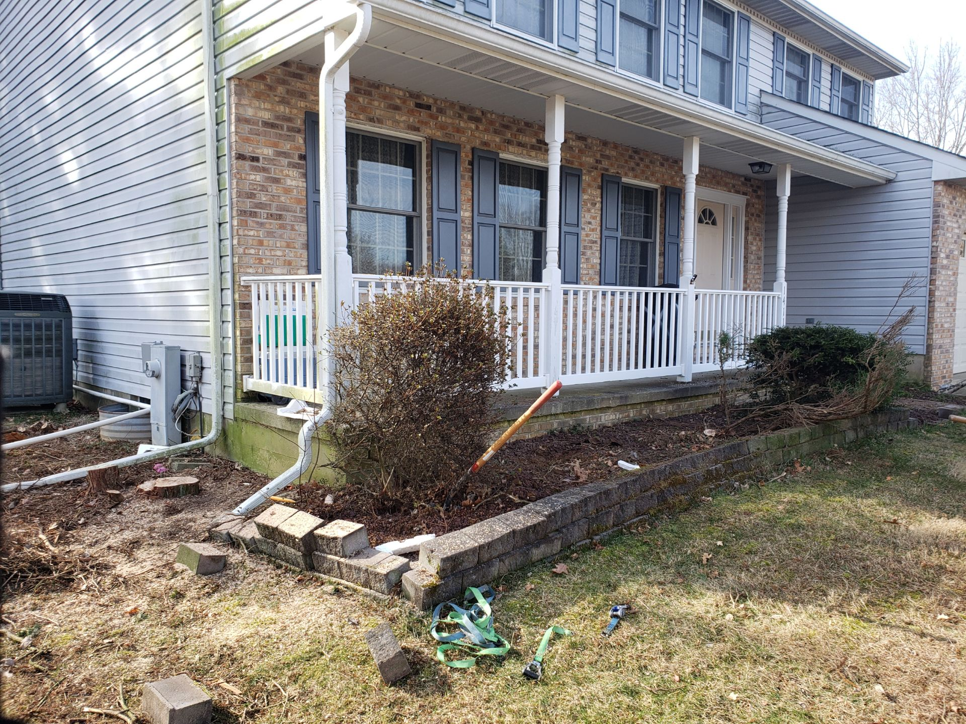 before landscaping picture