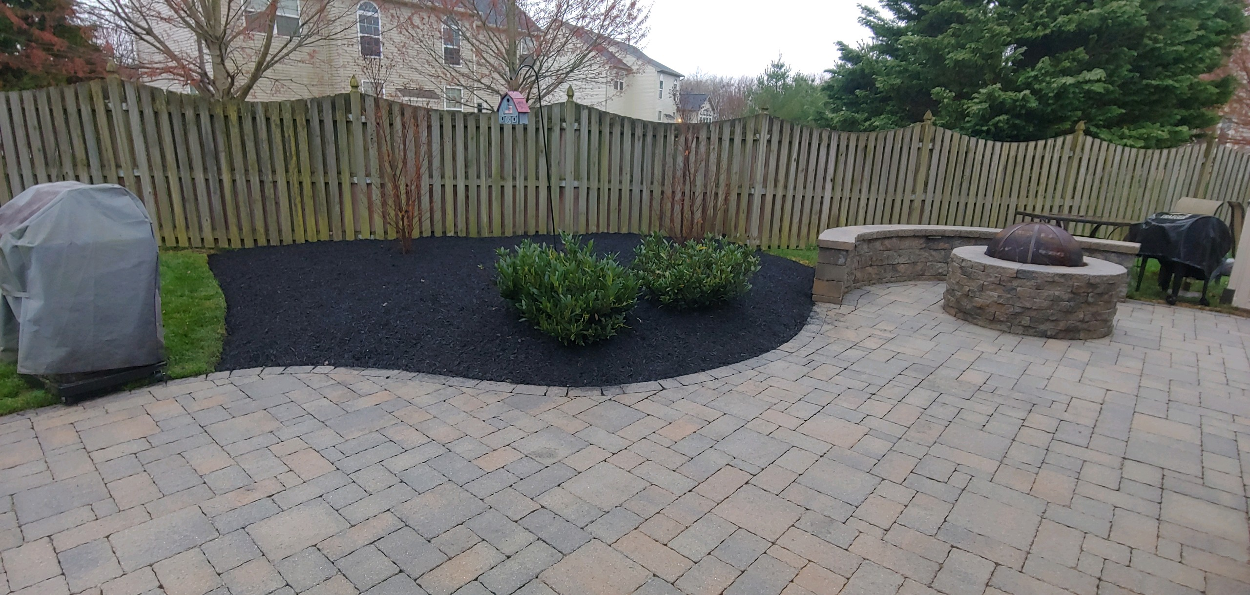completed patio landscaping